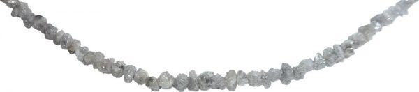 Rohdiamanten-Collier mit einem Karabinerverschluss in GG 585/-, mattiert. Ein wunderschönes Collier mit Rohdiamanten 15ct. Länge der Kette 43 cm + 7cm Verlängerung, Gewicht 4,7g. Ein exklusives Einzelstück von Ihrer Goldschmiede aus Stuttgart – ABRAMOWICZ