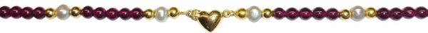 Perlenkette – Bezauberndes Perlencollier mit originellem Herz Verschluss in feinstem 14 Karat Gelbgold 585/- Das Perlencollier besteht aus feinen Granat Cabochon Ø 4,4mm, Süsswasserzuchtperlen  Ø ca. 5,3mm und hochglanzpolierte Goldkügelchen Ø ca. 4mm als