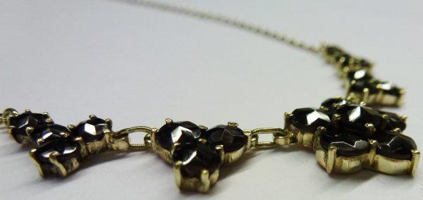 Hübsches Collier (Erbskette) in Gelbgol...
